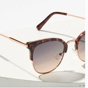 NWT Cat-eye Tortoise Sunglasses 100% UV LOFT